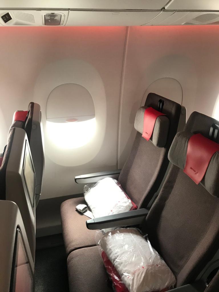 asientos de avion con mantas